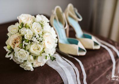Bouquet sposa con rose e rose inglesi